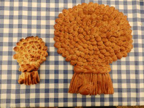 Two sizes of wheatsheaf loaf