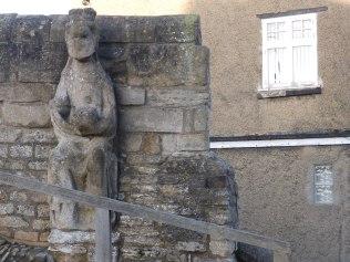 Statue on Trinity Bridge