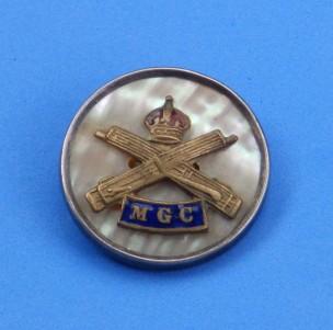 Machine Gun Corps - silver rim brooch