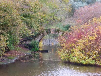 Archway between islands - Rufford Abbey