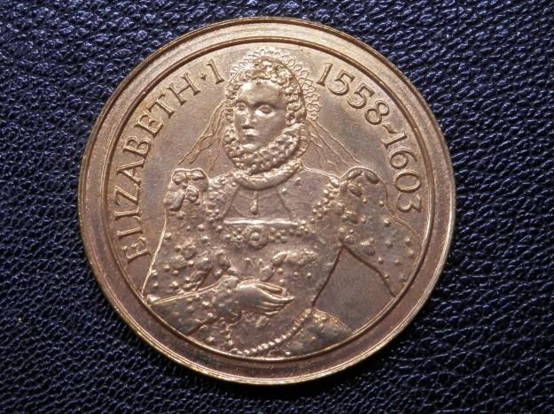 Elizabeth I Souvenir Medallion