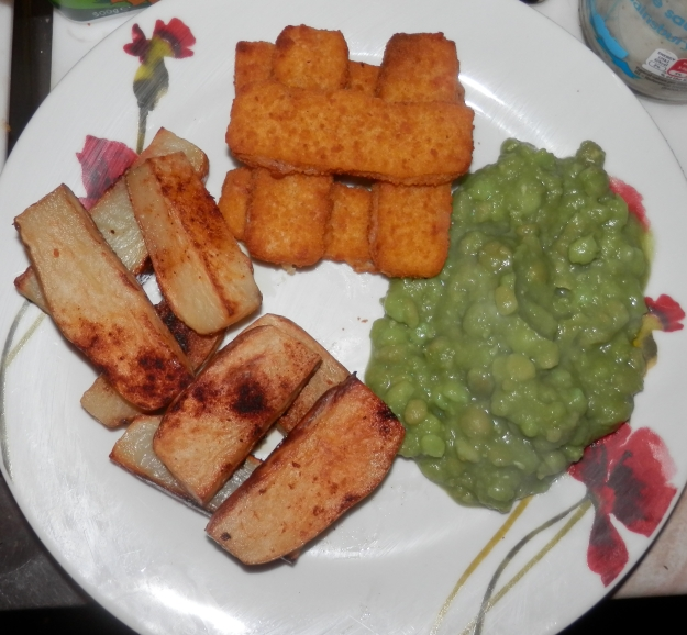 Paprika Potatoes, Fish Fingers and Mushy Peas - Gourmet Fodder